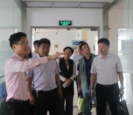 热烈庆祝天津市滨海中等专业学校李树信校长一行莅临税友集团进行考察